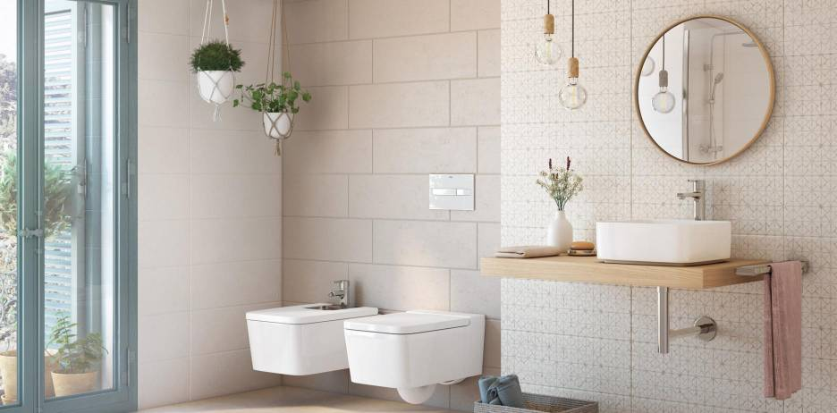 Bathroom decorated wiht Roca products